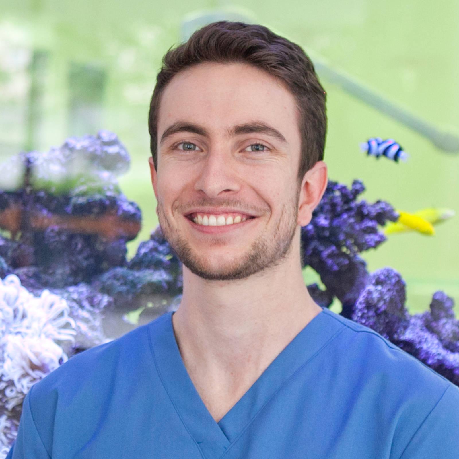 Photo of Dr. Thomas Beddow